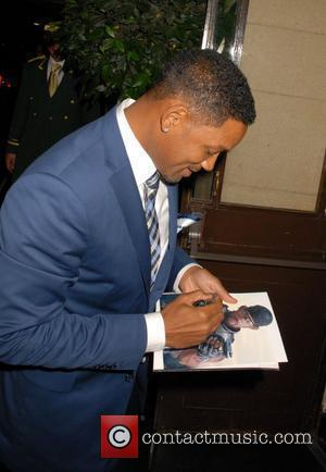 Will Smith greets fans as he arrives at The Dorchester Hotel London, England - 15.07.10
