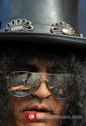 Fan Wants Statue Tributes To Slash & Lemmy