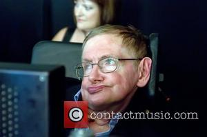Stephen Hawking To Debut 'New Voice' On The Big Bang Theory