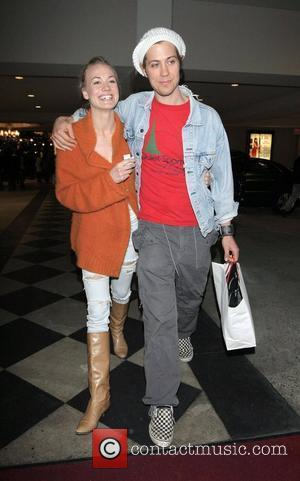 Yvonne Strahovski and her boyfriend do some last minute Christmas shopping together in Hollywood Los Angeles, California - 19.12.09