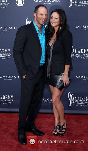 Sara Evans' Ex-husband Wants Child Custody