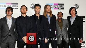 Maroon 5 Make Pop Chart History In U.s.