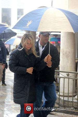 Anna Kournikova and The Rain
