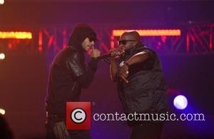 2011 Bet Hip Hop Awards Suffer Chris Brown, Lil Wayne, No Show