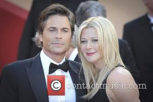 Rob Lowe Auctions Off Handprint For Charity