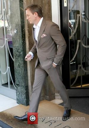 Daniel Craig outside Claridges Hotel ahead of the film premiere for 'Cowboys & Aliens' London, England - 11.08.11