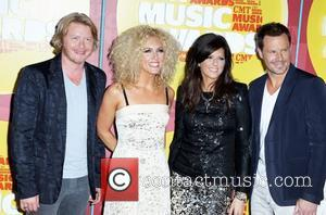 Little Big Town  2011 CMT Music Awards at The Bridgestone Arena  Nashville, Tennessee - 08.06.11