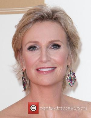 Jane Lynch To Portray Right-wing Candidate On Glee