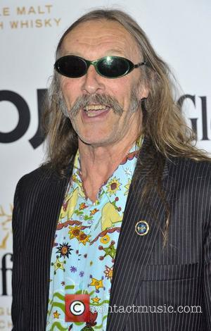 Hawkwind Guitarist Loses Cancer Battle At 61
