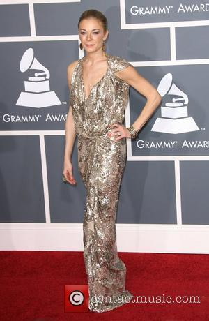 Leann Rimes Assures Fans She's 'Healthy'
