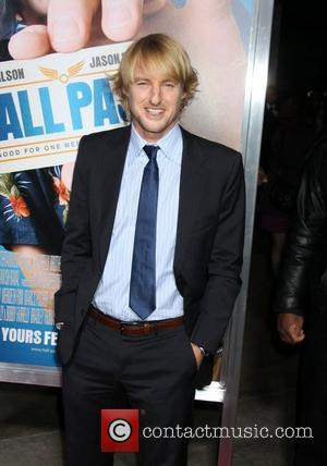 Owen Wilson Los Angeles Premiere of Warner Bros. Pictures' Hall Pass held at the Cinerama Theatre Los Angeles, California -...