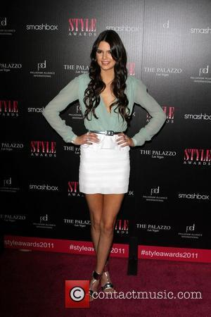 Kendall Jenner Wows At Twilight Premiere After Sweet 16th