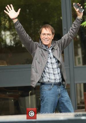 Cliff Richard Turns 71, Insists He Will 'Never Retire'