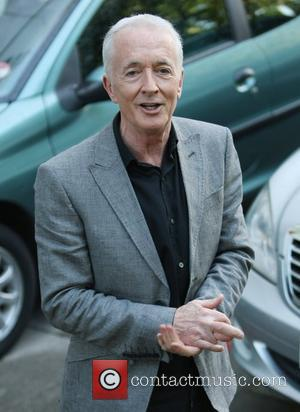 Anthony Daniels Lets Slip C-3po Will Be Back For Seventh Star Wars Film