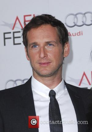Josh Lucas Planning To Wed This Christmas