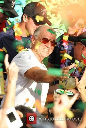 Jimmy Buffett: 'Concussion Led To Stage Dive'