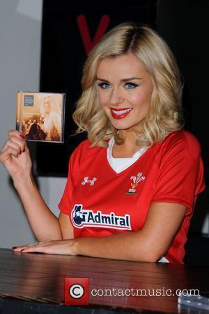 Katherine Jenkins Busks 'Undercover' In London