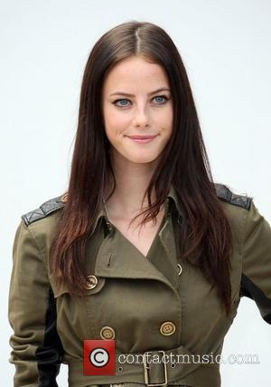 Kaya Scodelario London Fashion Week Spring/Summer 2012 - Burberry Prorsum - Arrivals London, England - 19.09.11