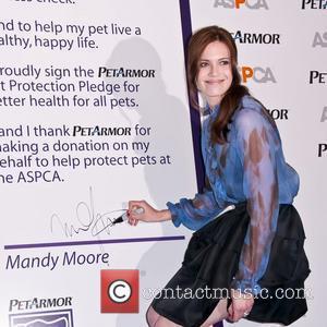 Mandy Moore Still Amazed By Elton John Video Appearance