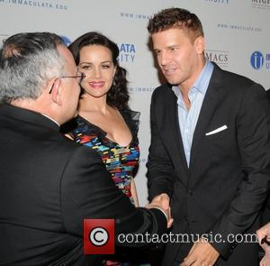 Carla Gugino and David Boreanaz