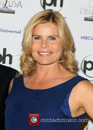 Mariel Hemingway Warns About Cosmetic Surgery Dangers