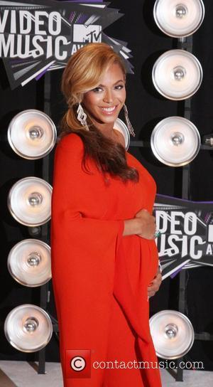 Beyonce Announces She Is Pregnant At 2011 Vma Awards