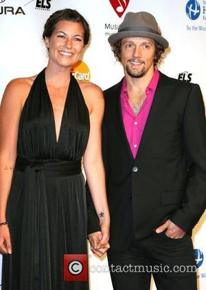 Jason Mraz Calls Off Engagement