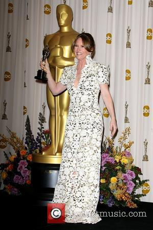 Oscar Winner Melissa Leo Apologises For Offending With Acceptance Speech