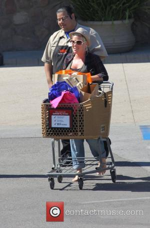 Heavily pregnant Pink aka Alecia Moore shopping barefoot in the easter sale at Vons Grocery store in Malibu. Los angeles,...