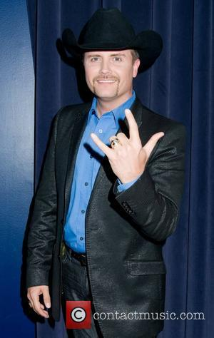 John Rich Asked To Leave Plane - Report