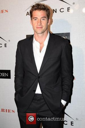 Scott Speedman Turns His Back On Swimming