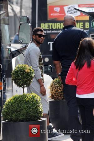 Usher out and about in Yorkville Toronto, Canada - 13.05.11