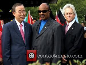 Stevie Wonder Helps To Launch U.n. Cell Phone Application
