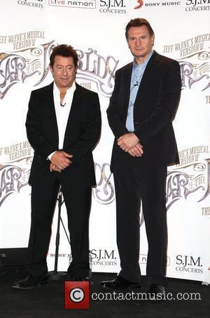 Liam Neeson Backs Ricky Gervais As Globes Host
