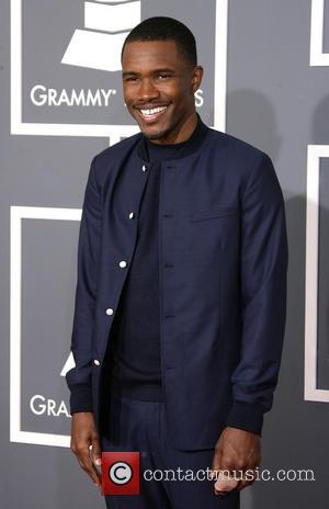 Un'fortune'ate! Chris Brown Refuses To Stand As He Loses Out To Frank Ocean At Grammys