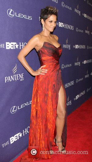 Halle Berry BET Honors 2013: Red Carpet Presented By Pantene at Warner Theatre  Featuring: Halle Berry Where: Washington, DC,...