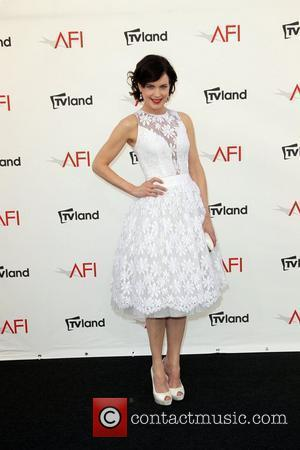 Elizabeth Mcgovern Eager To Tour With Band