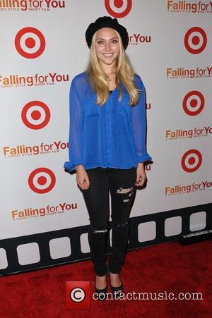 The Carrie Diaries: How AnnaSophia Robb Became The New Carrie Bradshaw