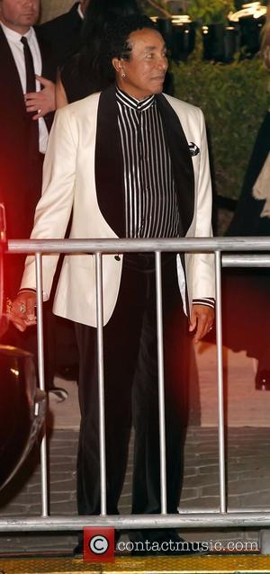 Smokey Robinson Plans Spanish Album