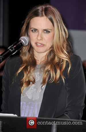 Alicia Silverstone Pleads With President Putin To Provide Vegan Meals To Prisoners