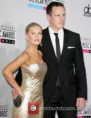 Elisha Cuthbert and Dion Phaneuf The 40th Anniversary American Music Awards 2012, held at Nokia Theatre L.A. Live - Arrivals...