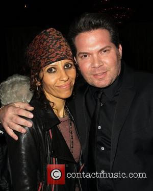 Linda Perry Engaged To Sara Gilbert