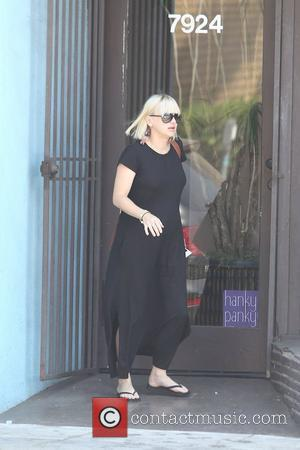 Anna Faris Gives Birth
