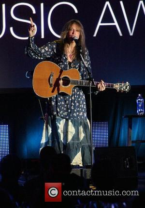 Carly Simon Staging Living Room Benefit Gig
