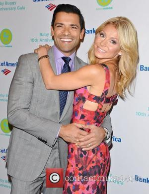 Mark Consuelos Helps Couple Get Engaged