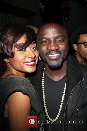 Sonyae Elise and Akon