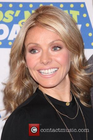 "Kelly Ripa's Botox Admission: ""It Makes My Makeup Artist's Life Easier"""