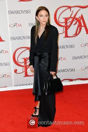 Mary-kate And Ashley Olsen Land Breakthrough Fashion Award