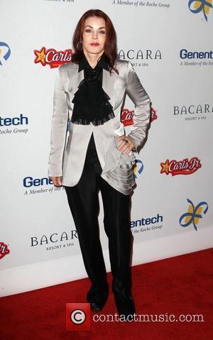 Priscilla Presley Dating British Tv Presenter - Report