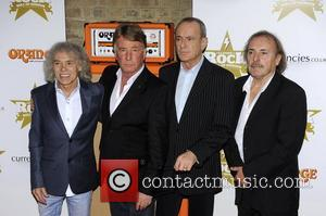 Original Status Quo Line-Up Wind The Clock Back 32 Years To Tour